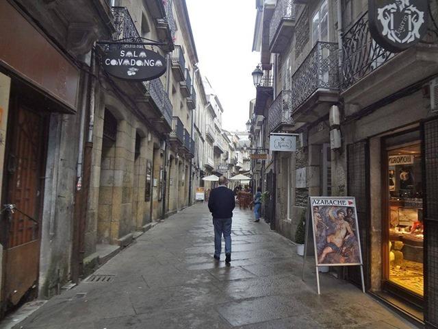 Rua da cruz , zona de viños lugo