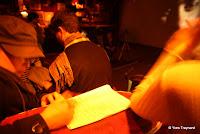 Le Zèbre de Belleville : REBECCA BOURNIGAULT PORTRAITS TEMPS RÉEL, 1994 / INSTALLATION VIDÉO Pour Nuit Blanche 2010, l'artiste réactive une œuvre impliquant la participation du public. Le dispositif Portraits temps réel (1994) consiste en une chaise placée face à une caméra sur pied...