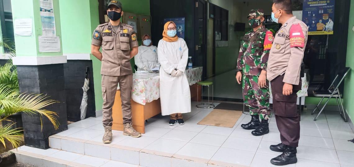 Koramil 03/Tg.Priok bersama Tripilar Turut Serta Pemantauan Vaksin Covid-19