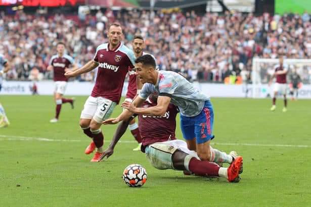 Refree Man Denied Penalty Picking For Christiano Ronaldo Via Astonvilla