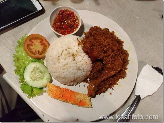 Nasi Ayam Lengkuas