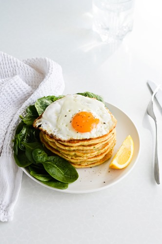 savory-pancakes-with-fried-egg-and-spinach-06
