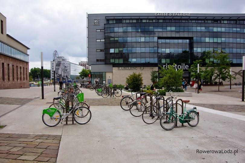 Parkingi dla rowerów sa dość powszechne.