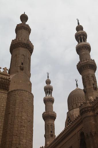 فى مصر الرجل تدب مكان ماتحب ( خاص من أمواج ) IMG_1548