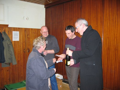 Naar aanleiding van de 10e editie Robert Maris, hield Geert Maris er aan om iedere deelnemer te verrassen met een grote fles Leffe.
