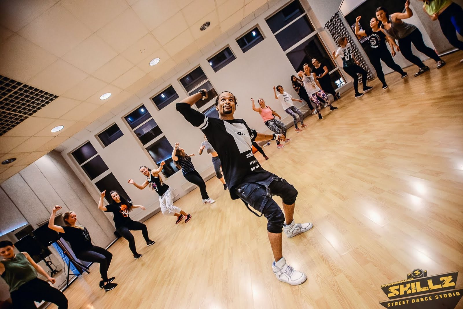 Dancehall workshop with Jiggy (France) - 47.jpg