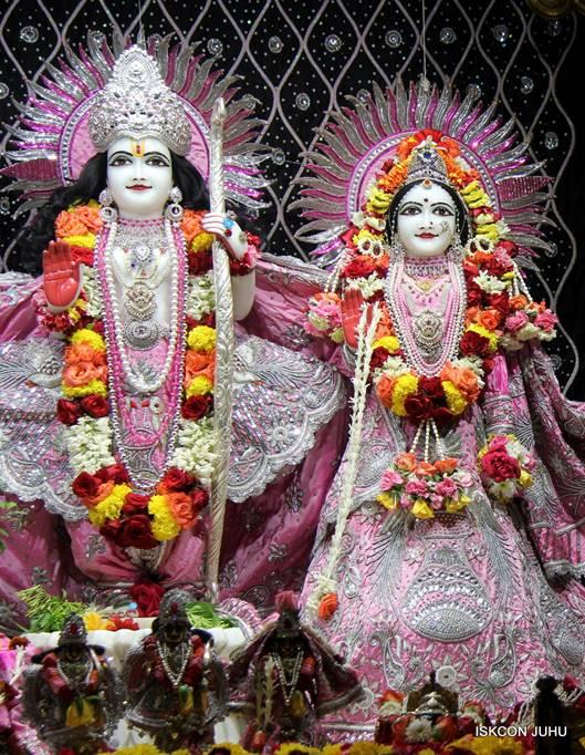 ISKCON Juhu Sringar Deity Darshan 05 Mar 2016 (16)
