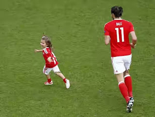 Gareth Bale with her daughter Alba Violet