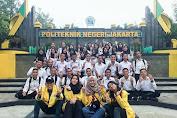 Mahasiswa PNJ bagikan Sembako Gratis Kerumah Warga