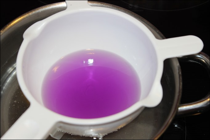 DIY Ostereier Kerzen Teelichter selber machen Eier bunt 03