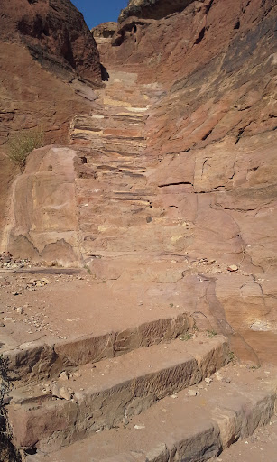 typical path at Petra