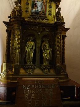 2017.10.23-130 tombeau de Saint Remi dans la basilique Saint-Remi