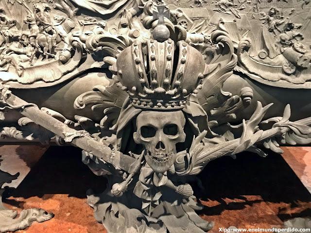 calavera-cripta-imperial-capuchinos-viena.JPG