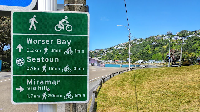 Signpost on Miramar Peninsula (Wellington, NZ)