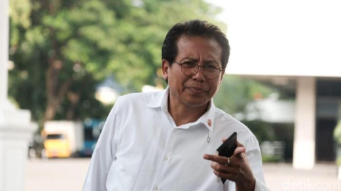 Semua Menteri Tak Boleh ke Solo Melayat Ibunda Jokowi Meninggal