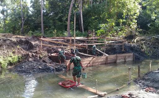 Hari Ke-13 Pra TMMD di Kodim 1415/Kep Selayar Masih Fokus Perintisan Jalan dan Pembuatan Jembatan Baru