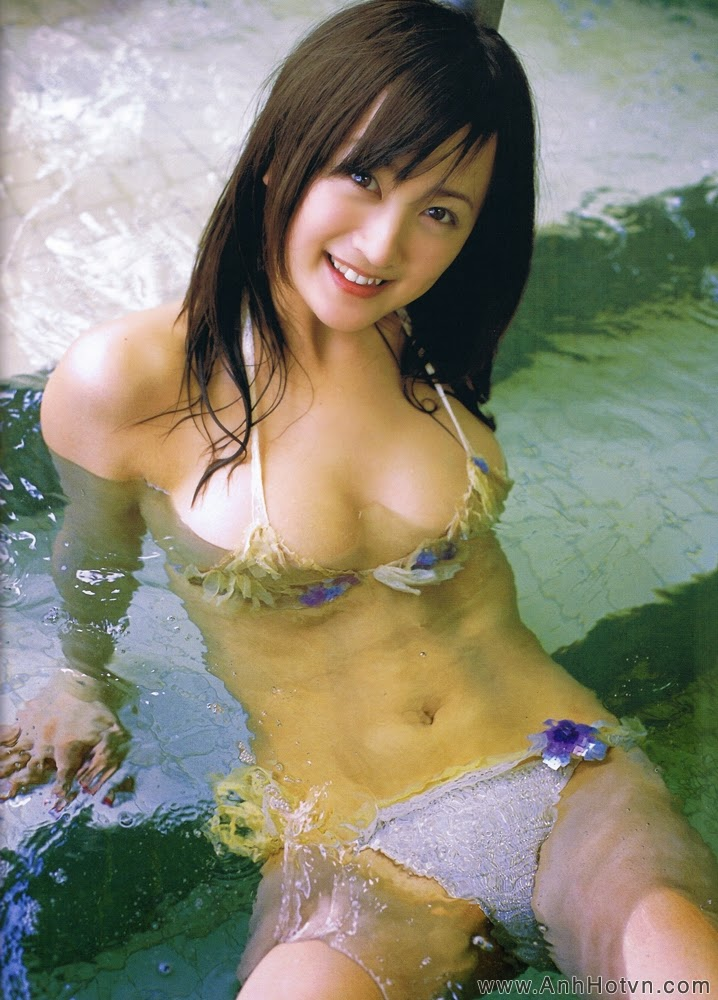 Ayaka Komatsu P26
