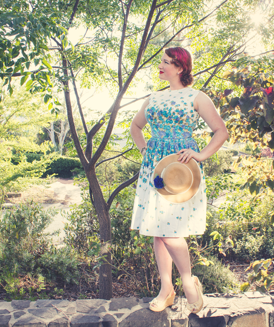 Vintage summer look with a 1950s dress | Lavender & Twill