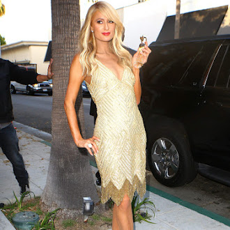 Paris_Hilton_at_her_aunt_Kyle_Richards__boutique_in_Beverly_Hills_June_29-2016_037.jpg