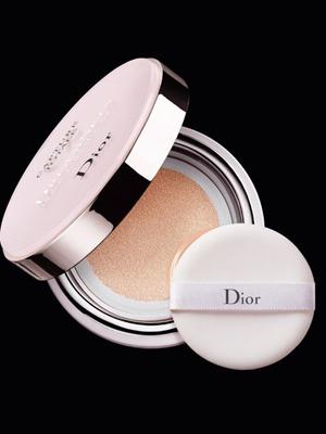 dior-capture-totale-dreamskin-perfect-skin-cushion-foundation3