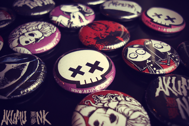 pins, pinpack, pinback, horror accessories, emo skull, emo accessories, emo pins