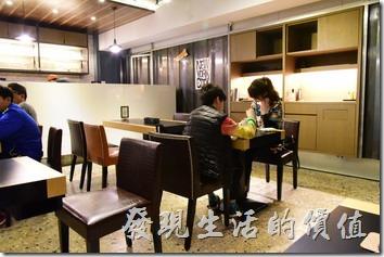 日光徐徐台南成功店的店內景緻。