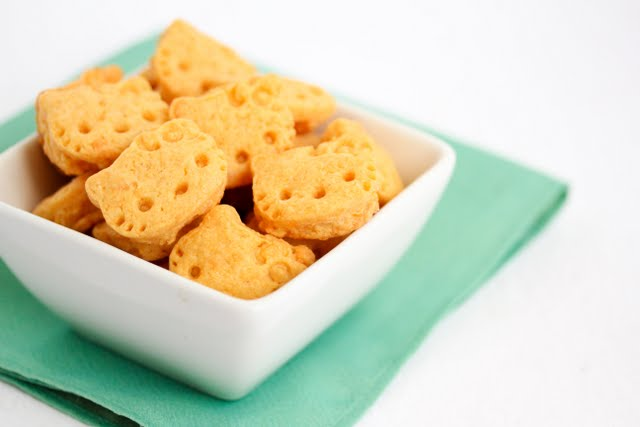 Hello Kitty Cheddar Crackers
