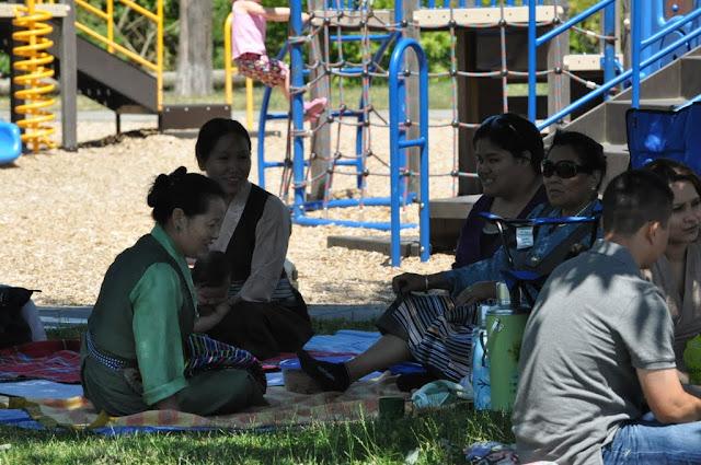 TAW celebrating H.H the Dalai Lama Bday at Magnuson Park 2011 - Trungkar--Magnuson%25252520park%25252520064.JPG