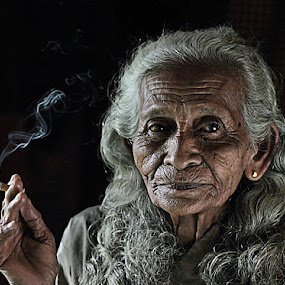 grandma by R'zlley TheShoots - People Portraits of Women ( portraiture, senior citizen )