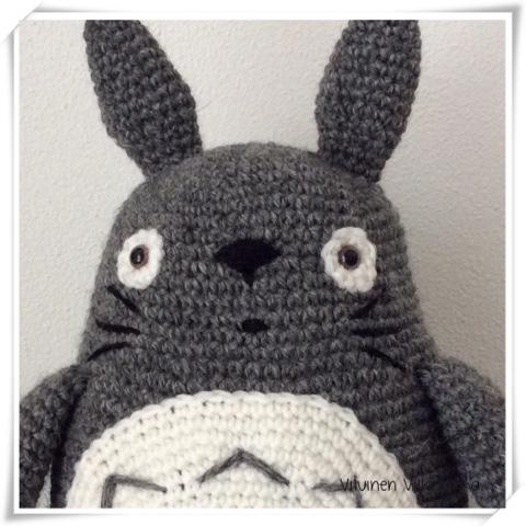 Amigurumi Totoro Ohje : Viluinen Villasukka: Virkattu Totoro