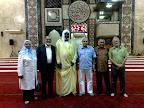 Miembros del Comité Ejecutivo de la World Islamic People Leadership (WIPL) en la mezquita central de Yakarta