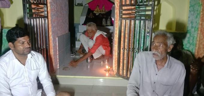 राधा-कृष्ण मंदिर परिसर खरका में धूमधाम से मनाया गया कृष्ण जन्मोत्सव
