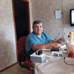 user Raymond Lopez apkdeer profile image