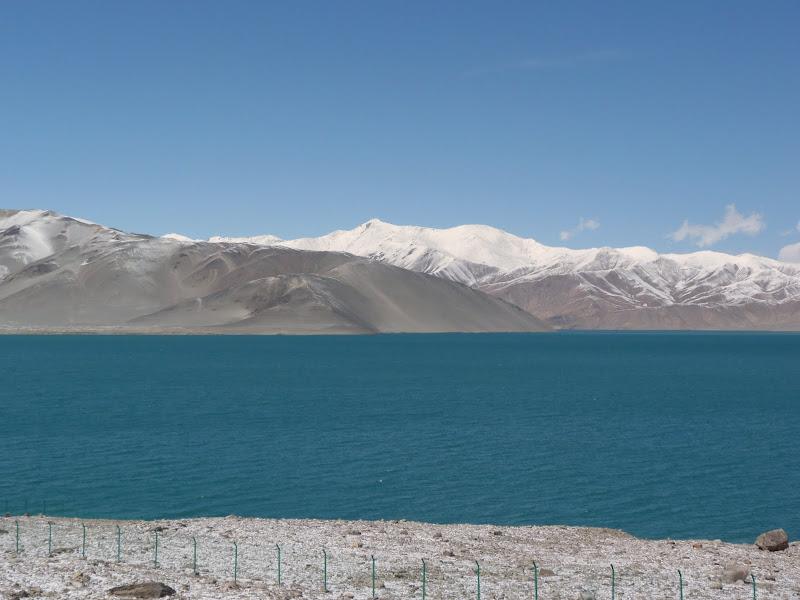 XINJIANG. Karakoram Highway, lune des plus haute route au monde, en passant a 4400 m - P1280487.JPG