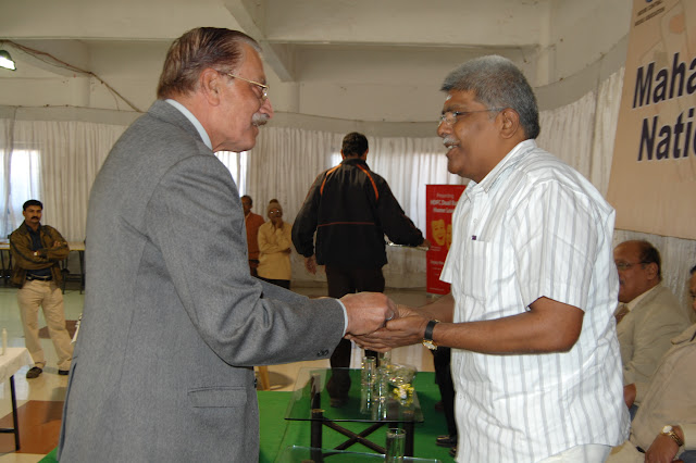 2010 Holkar - yatish%2Bchandra%2Bwelcoming%2BKiruba.JPG