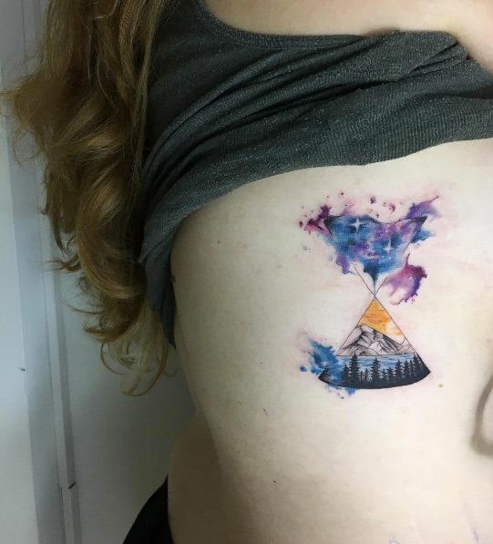 esta_terra_e_do_espaço_ampulheta_tatuagem