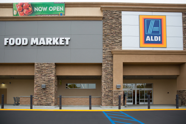 photo of the outside of ALDI