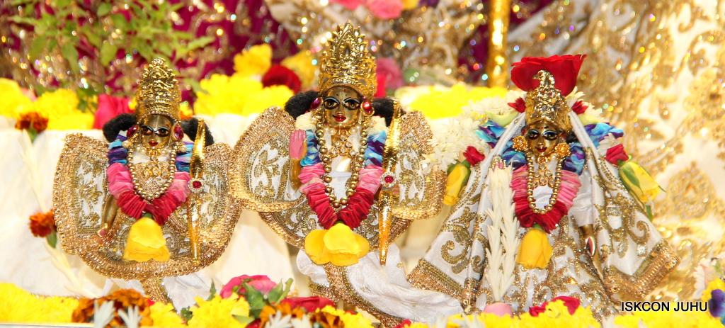 ISKCON Juhu Sringar Deity Darshan on 24th Oct 2016 (63)