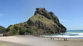 Lion Rock, Piha Beach panorama