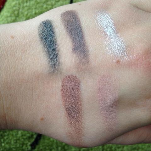 Moje wrażenia na temat cieni w kremie Color Tattoo od Maybelline.