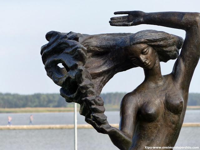 escultura-nida-lituania.JPG