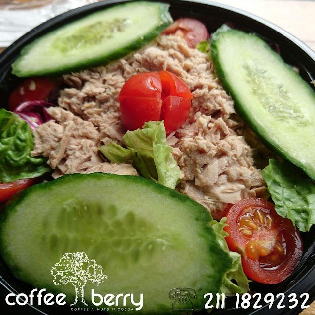 Σαλάτα τόνος ...By Coffee Berry Keratsini