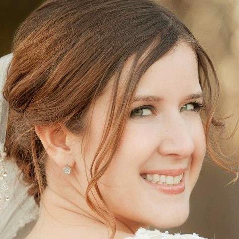 Anna Henley Photo 24
