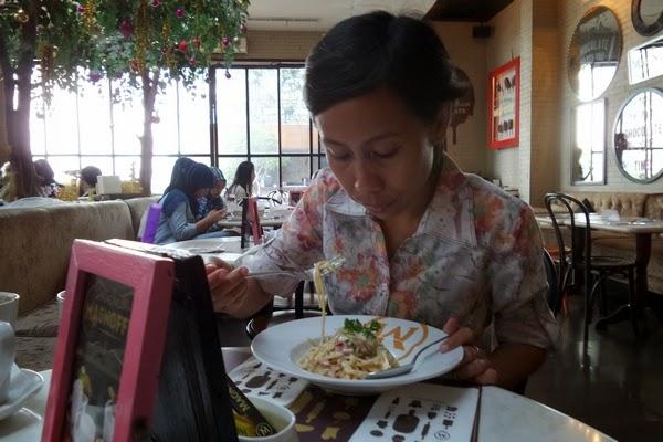 Spaghetti Magnum Cafe