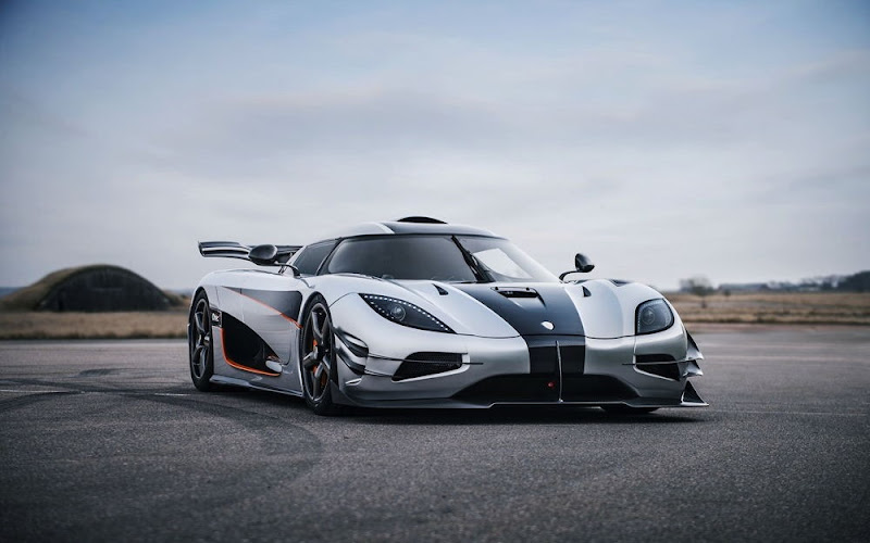 Koenigsegg One-1 White Wallpaper