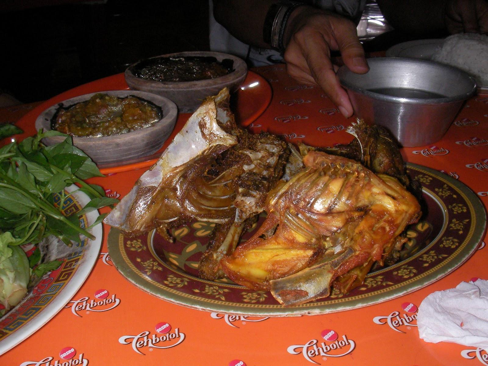 8 Tempat Makan Ayam Bakar Enak di Jakarta - Ayam Bakar Karawang