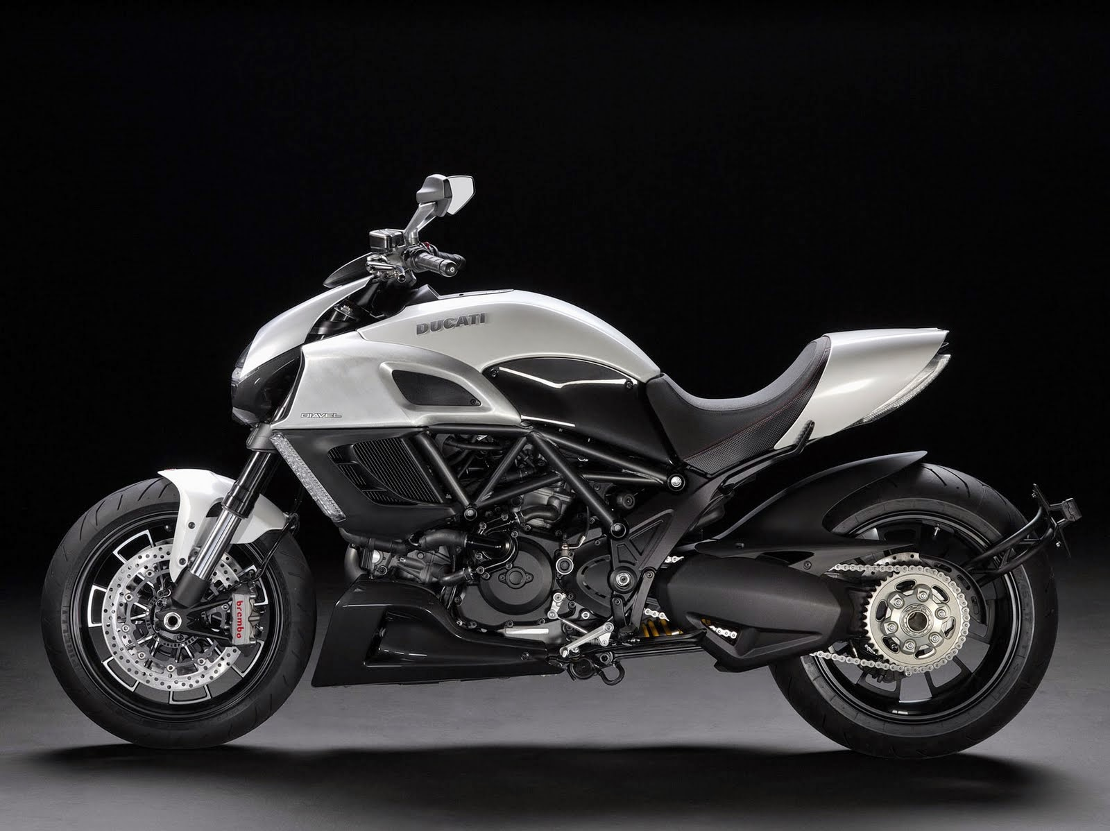 Byson Modifikasi Ducati Diavel