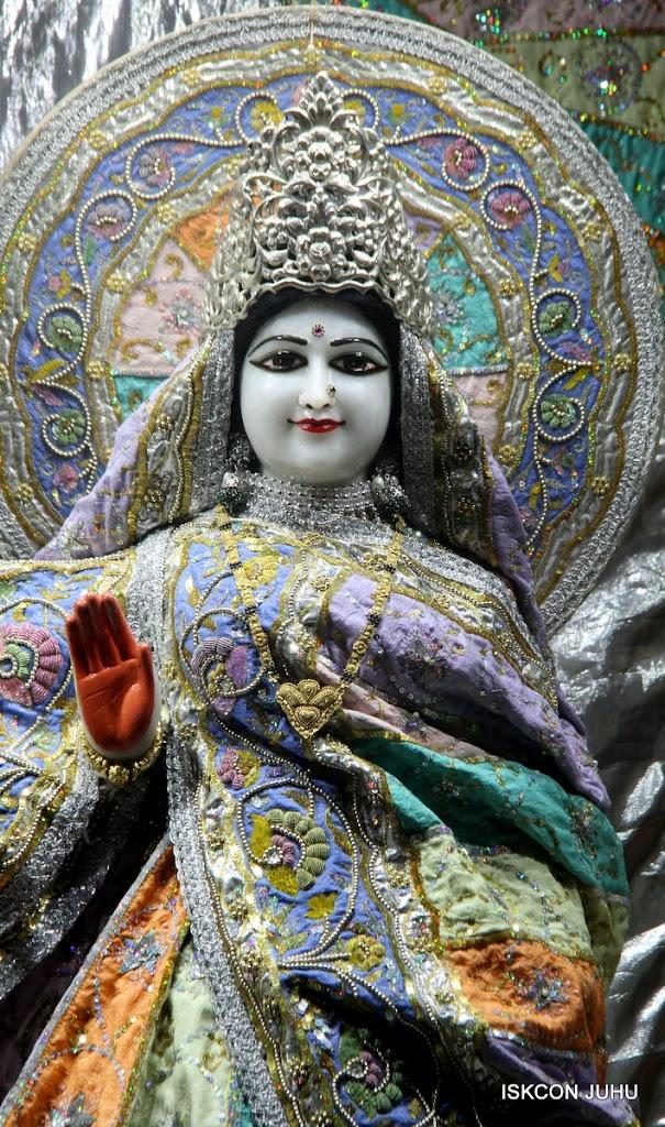 ISKCON Juhu Mangal Deity Darshan on 5th Aug 2016 (19)