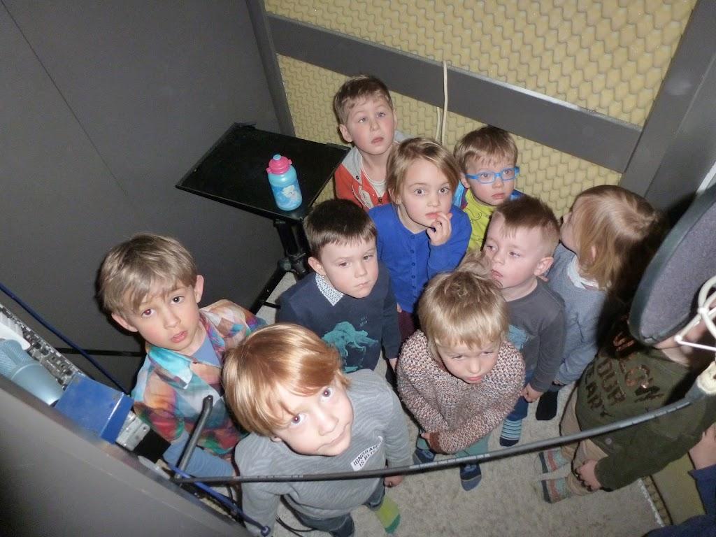 Leefgroep 1 op bezoek in een muziekkamer - P1080938.JPG