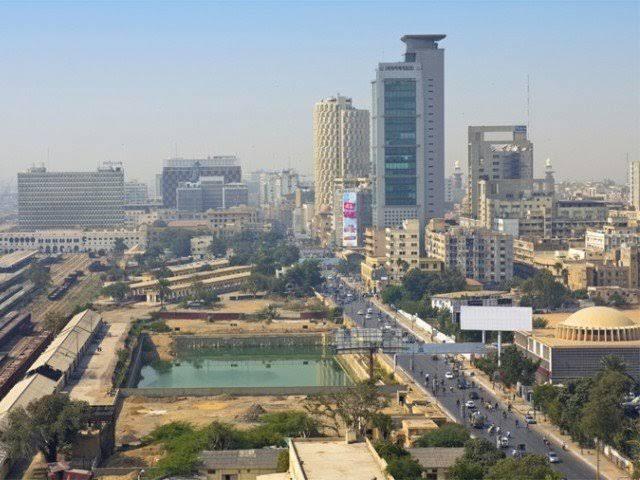 کراچی کا موسم گرم رہنے اور ہلکی بارش کا امکان